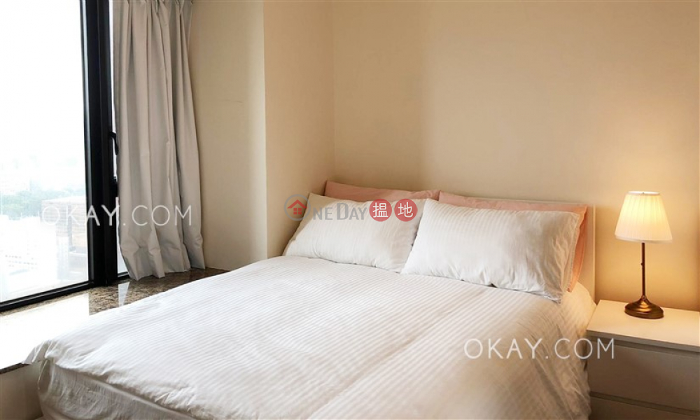 HK$ 33,000/ month The Arch Star Tower (Tower 2) Yau Tsim Mong Nicely kept 2 bedroom with harbour views   Rental