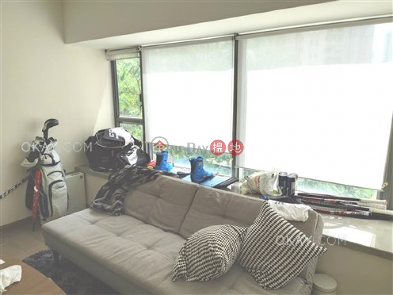 Stylish 2 bedroom with balcony | For Sale | Centre Point 尚賢居 Sales Listings