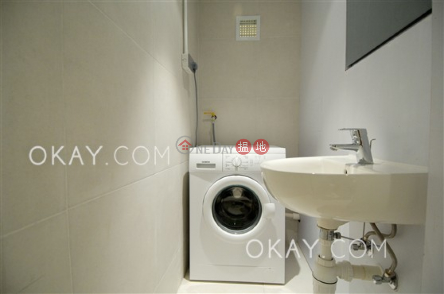 Nicely kept 1 bedroom with terrace | Rental | Tong Nam Mansion 東南大廈 Rental Listings