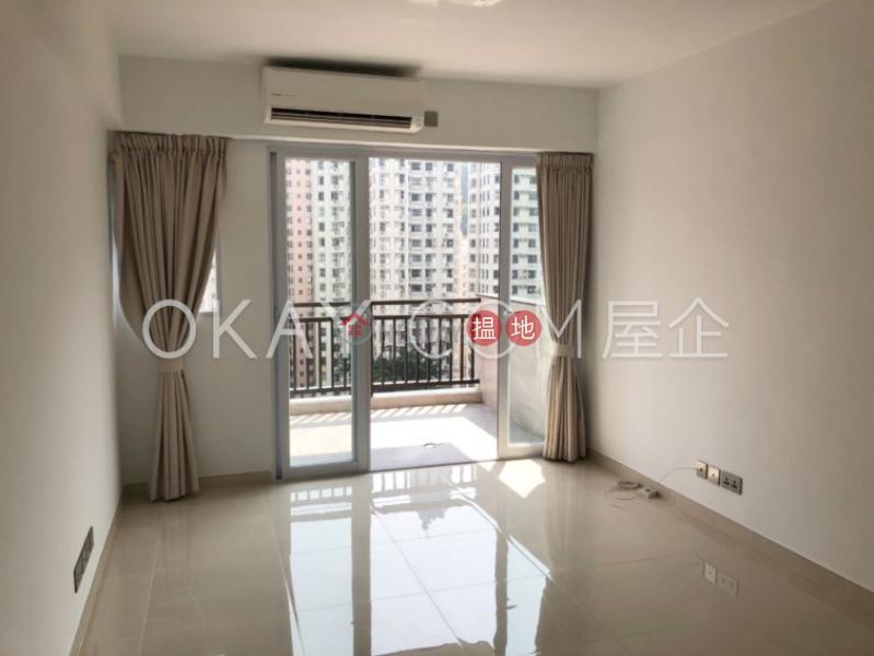 Stylish 3 bedroom with balcony   Rental, Shan Kwong Tower 山光苑 Rental Listings   Wan Chai District (OKAY-R103205)