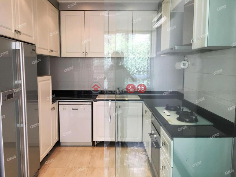 Property Search Hong Kong | OneDay | Residential Rental Listings | Race Course Mansion | 2 bedroom Mid Floor Flat for Rent