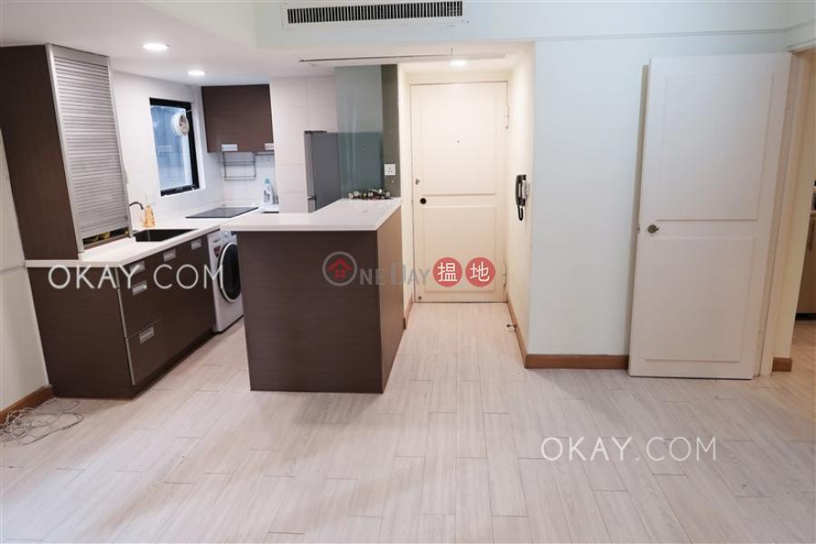 1房1廁,連車位《嘉樂居出租單位》-33山村道 | 灣仔區香港-出租HK$ 20,000/ 月