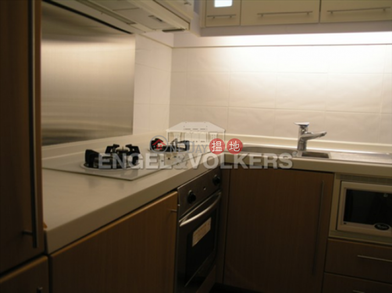 HK$ 19M Palatial Crest Western District, 3 Bedroom Family Flat for Sale in Mid Levels West