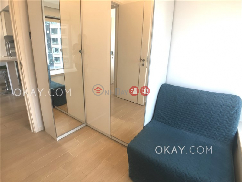HK$ 35,000/ month Soho 38 Western District, Luxurious 2 bed on high floor with harbour views | Rental