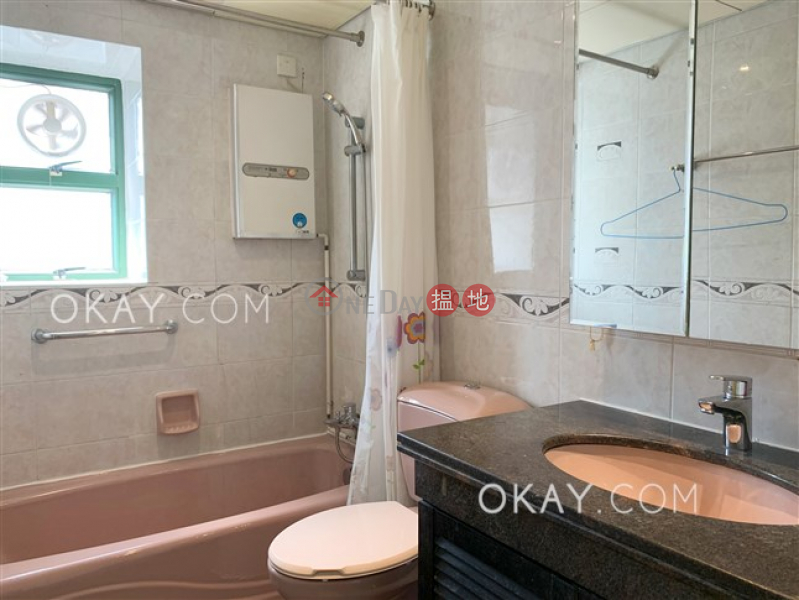 HK$ 35,000/ month, Monmouth Place, Wan Chai District | Charming 3 bedroom on high floor with parking | Rental