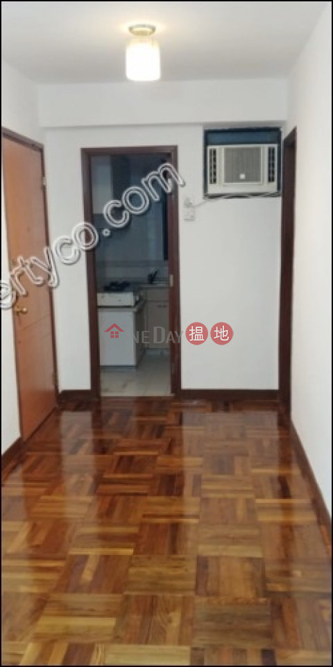 Apartment with Rooftop for Rent in Sai Ying Pun|Fung King Court(Fung King Court)Rental Listings (A062512)_0