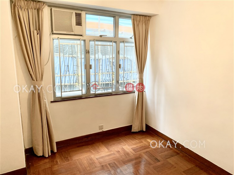 Tasteful 3 bedroom with balcony & parking | Rental | Block 3 Phoenix Court 鳳凰閣 3座 Rental Listings