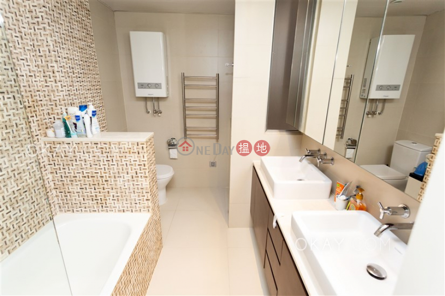 Efficient 2 bedroom on high floor with parking | For Sale | Block A Grandview Tower 慧景臺A座 Sales Listings