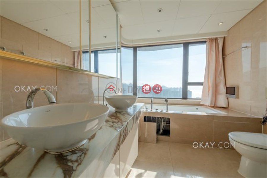 Lovely 3 bedroom with balcony & parking | Rental | Phase 6 Residence Bel-Air 貝沙灣6期 Rental Listings