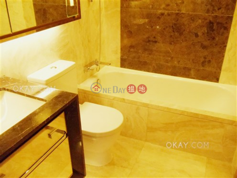 2房1廁,星級會所,露台《Grand Austin 1座出租單位》|Grand Austin 1座(Grand Austin Tower 1)出租樓盤 (OKAY-R297956)