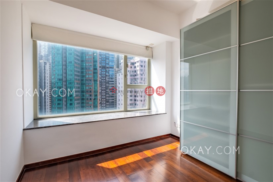 Lovely 3 bedroom on high floor with balcony & parking | Rental | Centrestage 聚賢居 Rental Listings