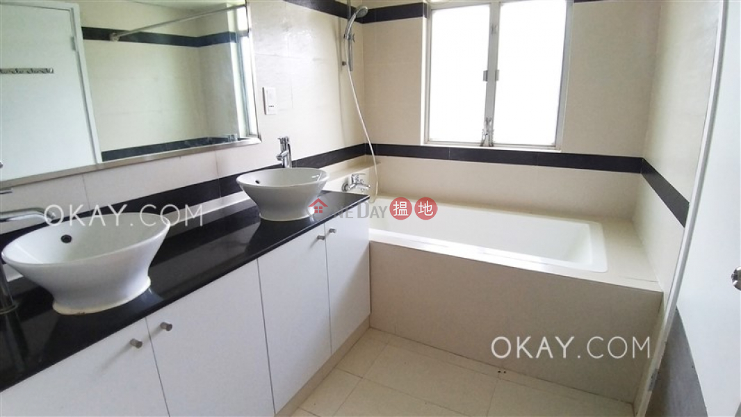 HK$ 130,000/ month | Redhill Peninsula Phase 3 Southern District Luxurious house with sea views, terrace & balcony | Rental