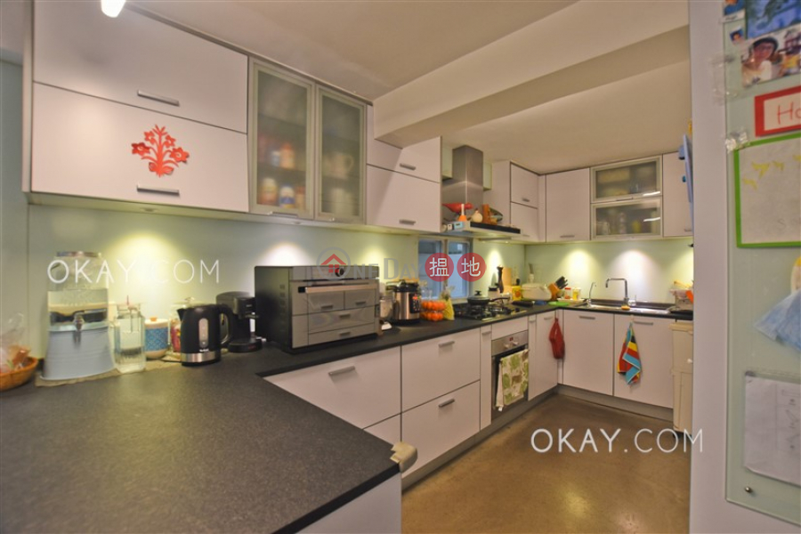 Lovely house with rooftop, terrace & balcony | For Sale | Tai Au Mun 大坳門 Sales Listings