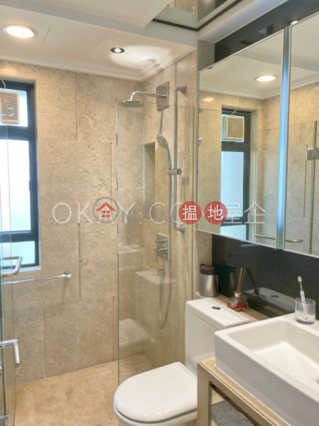 Stylish 3 bedroom with parking | For Sale | Hillsborough Court 曉峰閣 Sales Listings
