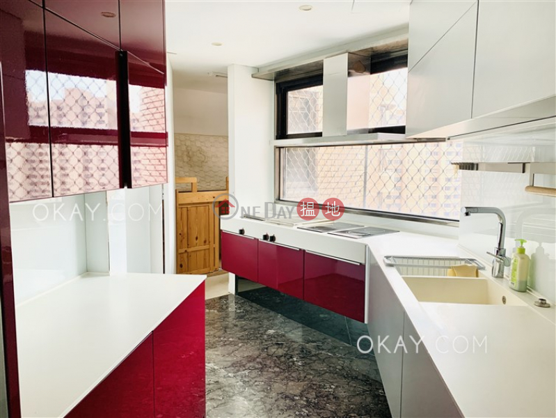HK$ 46M   Parkview Club & Suites Hong Kong Parkview   Southern District   Stylish 2 bedroom on high floor with parking   For Sale
