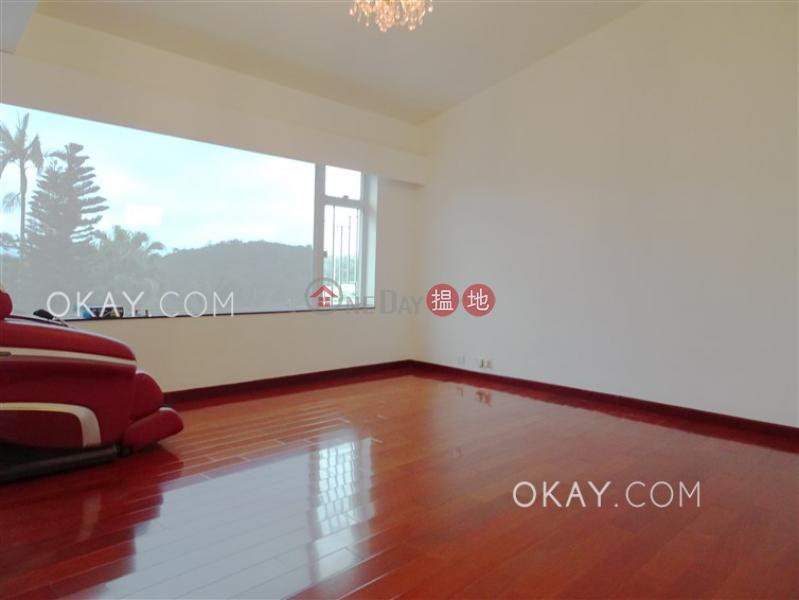 HK$ 30.5M | Las Pinadas Sai Kung | Gorgeous house with terrace & parking | For Sale
