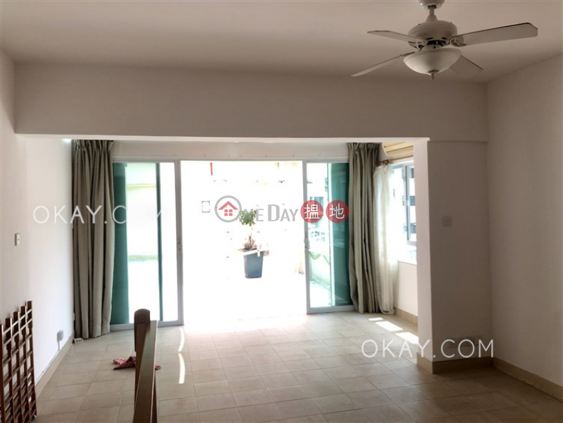 Popular 3 bedroom on high floor with rooftop & terrace | Rental | Discovery Bay, Phase 2 Midvale Village, Bay View (Block H4) 愉景灣 2期 畔峰 觀灣樓 (H4座) Rental Listings