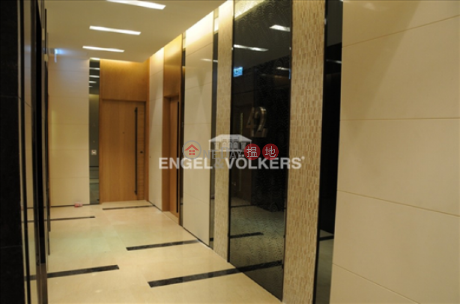 HK$ 65,000/ month York Place, Wan Chai District 3 Bedroom Family Flat for Rent in Wan Chai