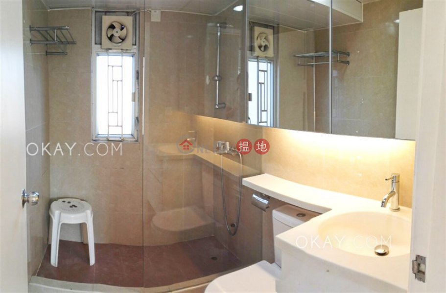 Property Search Hong Kong | OneDay | Residential, Sales Listings Intimate 2 bedroom on high floor with rooftop & parking | For Sale