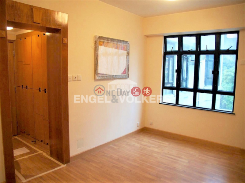 3 Bedroom Family Flat for Sale in Happy Valley | Sherwood Court 誠和閣 Sales Listings
