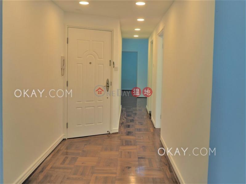 HK$ 58,000/ 月羅便臣大廈西區-3房2廁,實用率高,連車位《羅便臣大廈出租單位》
