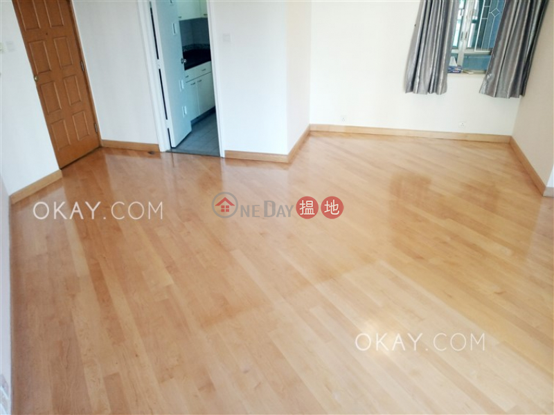 Property Search Hong Kong | OneDay | Residential | Sales Listings | Tasteful 3 bedroom on high floor | For Sale