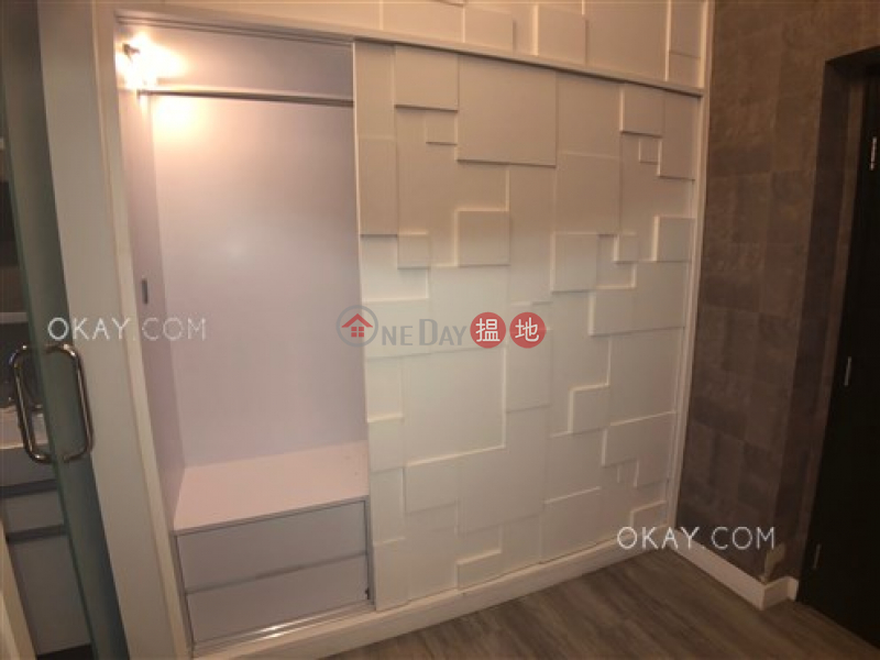 Nicely kept studio on high floor with rooftop   For Sale, 20-22 MacDonnell Road   Central District, Hong Kong Sales HK$ 10.8M