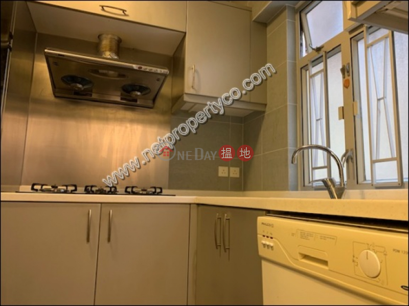 Property Search Hong Kong | OneDay | Residential Rental Listings Spacious 3-bedroom unit for rent in Homantin