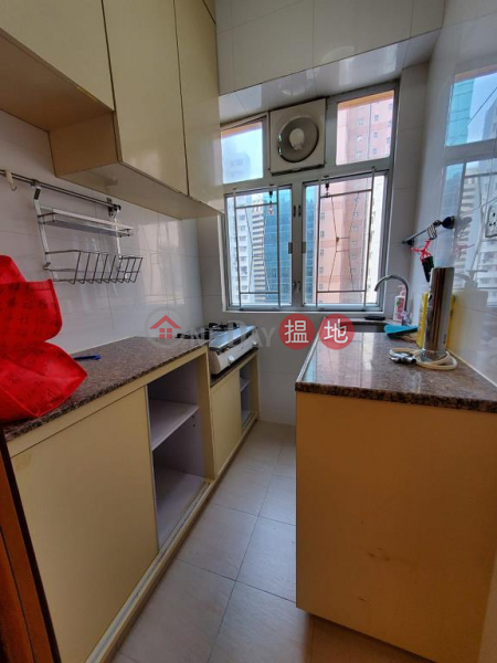 Flat for Rent in Pao Woo Mansion, Wan Chai | Pao Woo Mansion 保和大廈 Rental Listings