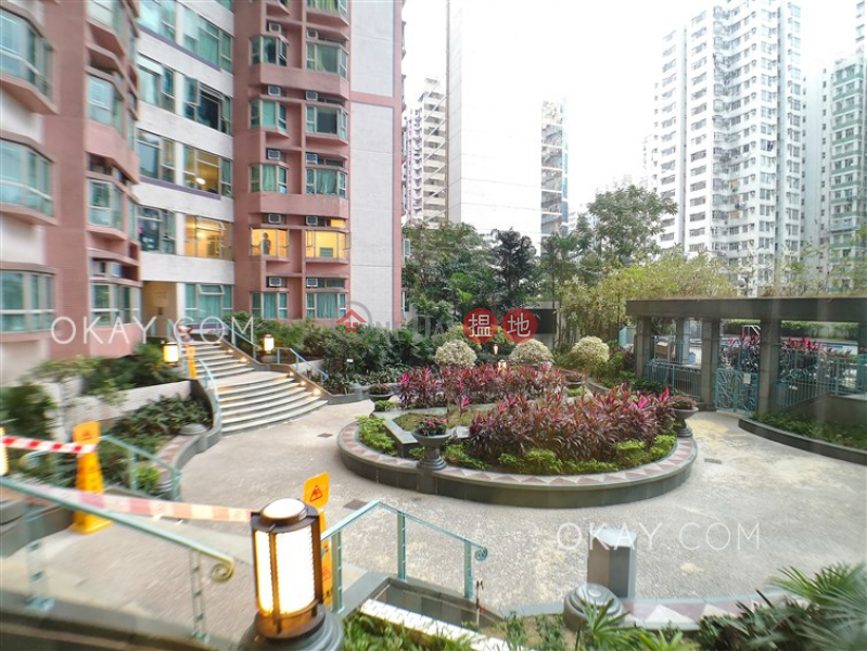 Nicely kept 3 bedroom in North Point | For Sale | Island Place 港運城 Sales Listings