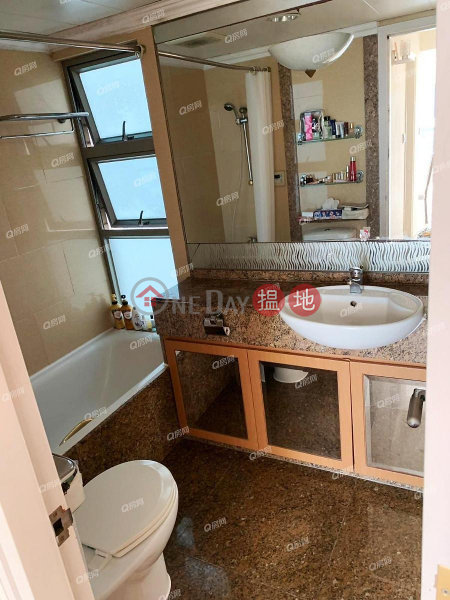 Tower 1 Hampton Place | 2 bedroom High Floor Flat for Sale | Tower 1 Hampton Place 凱帆軒1座 Sales Listings