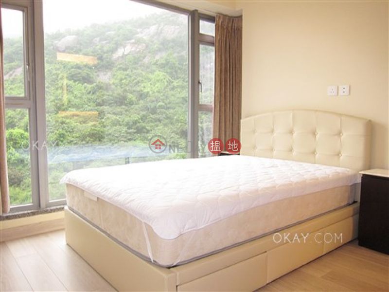 Rare 2 bedroom with balcony & parking | Rental | Serenade 上林 Rental Listings