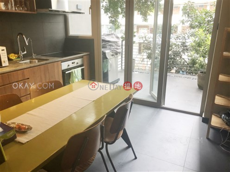 HK$ 9.5M, 4 Shin Hing Street Central District Practical with terrace in Sheung Wan | For Sale