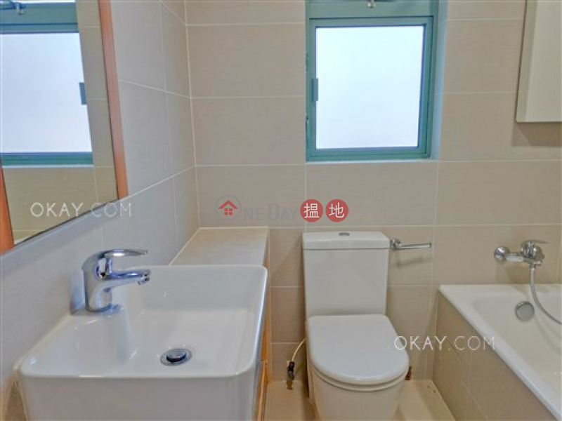 HK$ 16.8M, Jardine Summit Wan Chai District Tasteful 3 bedroom with terrace & balcony | For Sale