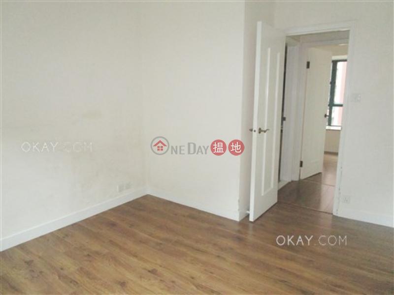 Unique 2 bedroom in Mid-levels Central | Rental | Hillsborough Court 曉峰閣 Rental Listings