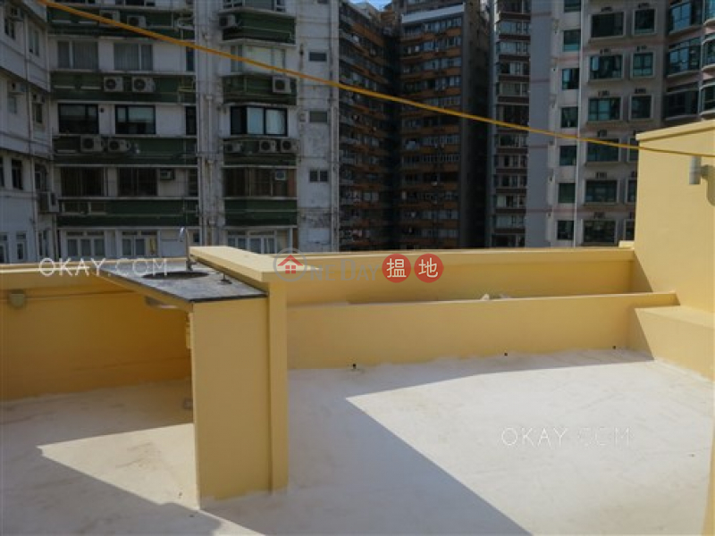 Stylish 2 bedroom on high floor with rooftop | Rental | Fook Wah Mansions 福華大廈 Rental Listings