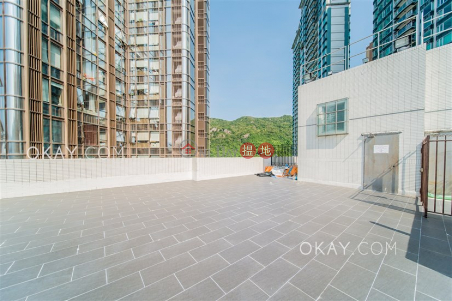 HK$ 73,000/ month Dragon Garden Wan Chai District, Efficient 3 bed on high floor with rooftop & balcony | Rental