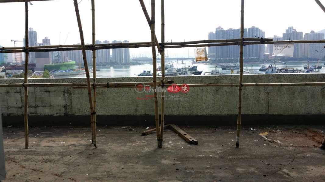 HK$ 240,000/ 月|江南工業大廈-荃灣超大型貨倉 送你一個平台海景