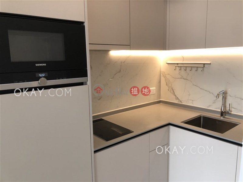 Popular 1 bedroom with balcony | Rental, Resiglow Pokfulam RESIGLOW薄扶林 Rental Listings | Western District (OKAY-R378725)