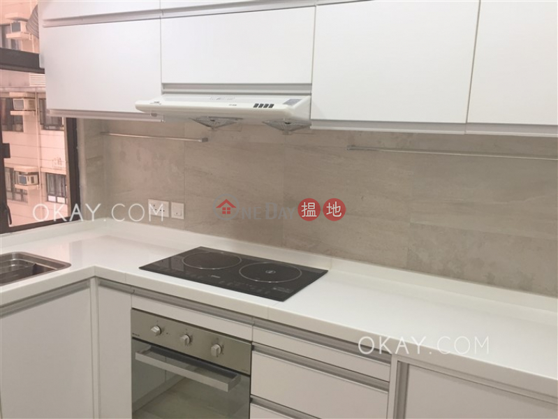 Rare 2 bedroom in Mid-levels West | For Sale | Robinson Heights 樂信臺 Sales Listings