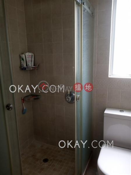 HK$ 13.5M | Phase 1 Headland Village, 9 Headland Drive Lantau Island Popular 3 bedroom on high floor with rooftop | For Sale