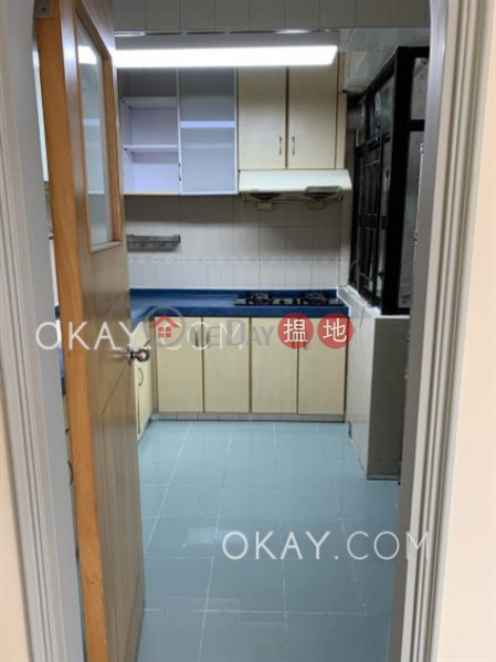 HK$ 31,800/ month, Kornhill | Eastern District | Nicely kept 3 bedroom in Quarry Bay | Rental