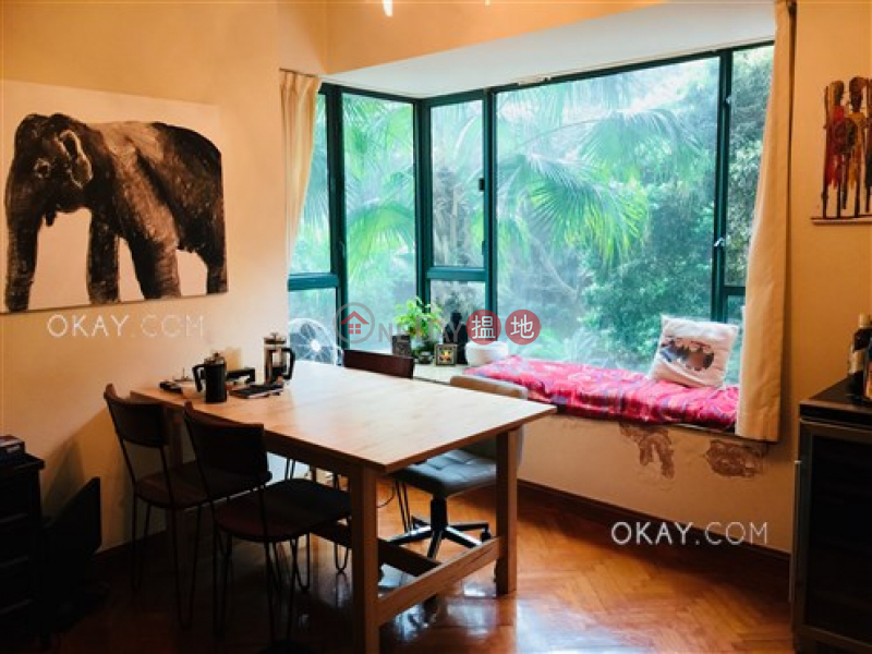 Nicely kept 2 bedroom in Mid-levels Central | For Sale | Hillsborough Court 曉峰閣 Sales Listings
