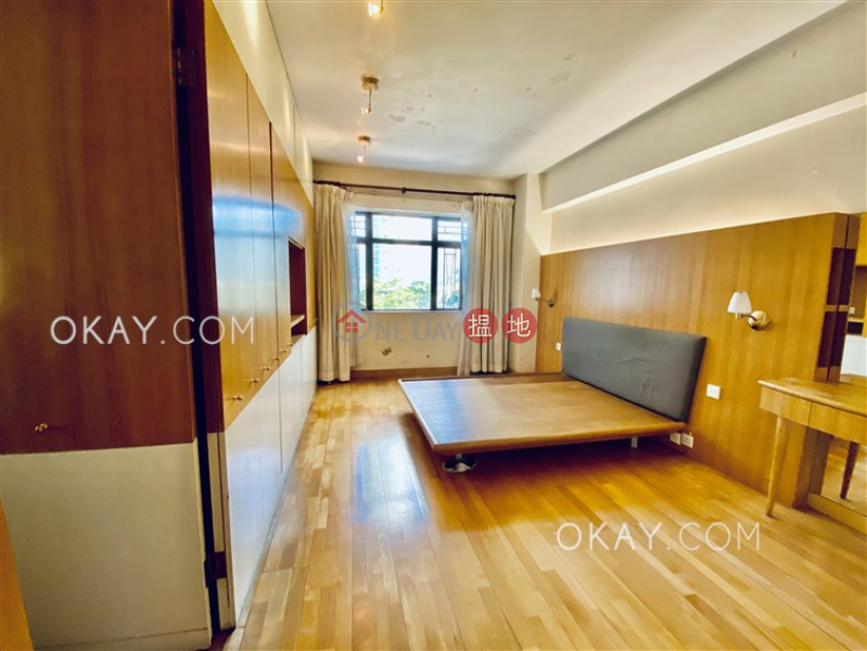 Efficient 3 bedroom with balcony & parking | For Sale | Evergreen Villa 松柏新邨 Sales Listings