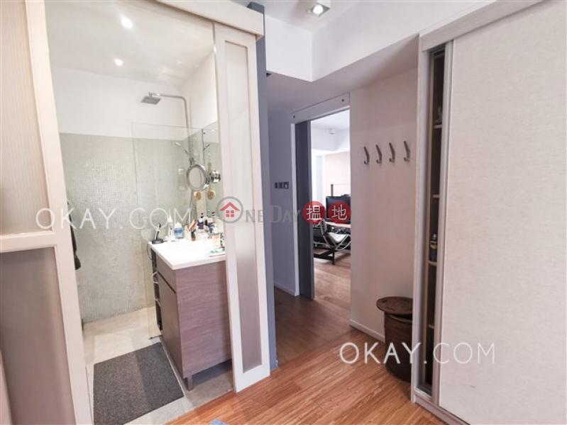 HK$ 36,000/ month Moon Fair Mansion Wan Chai District, Tasteful 1 bedroom with parking | Rental