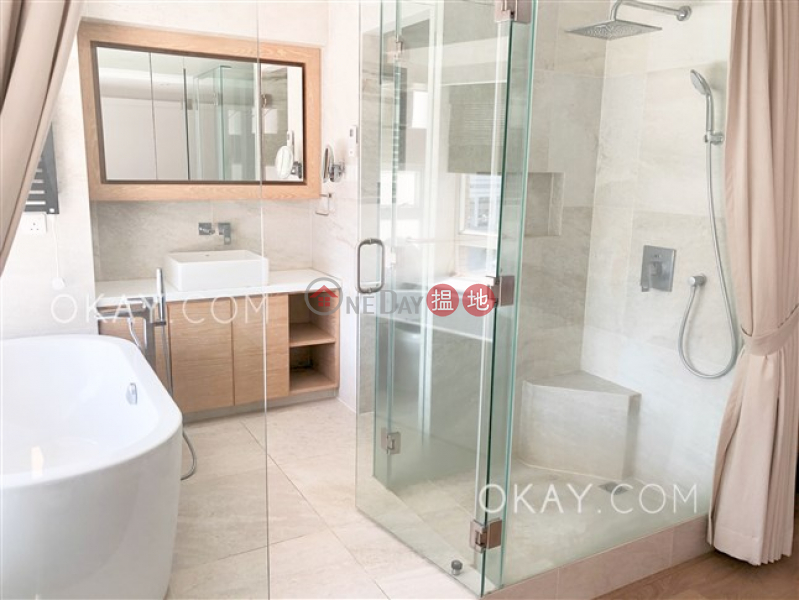 HK$ 58,000/ month Robinson Heights Western District Stylish 2 bedroom in Mid-levels West | Rental