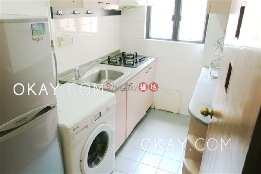 Nicely kept 3 bedroom in Mid-levels West | Rental | The Grand Panorama 嘉兆臺 Rental Listings