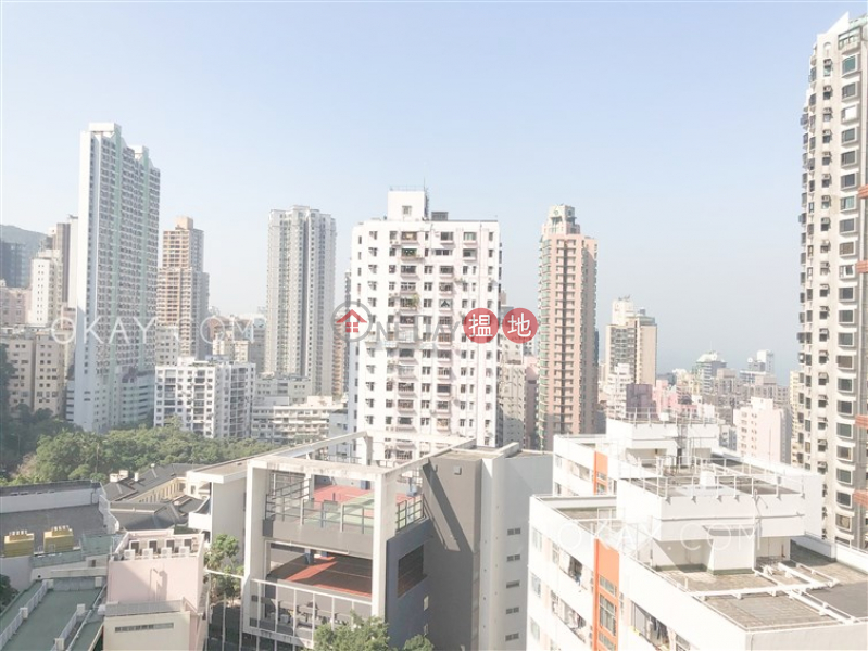 HK$ 20.8M, 2 Park Road | Western District | Unique 3 bedroom with balcony | For Sale