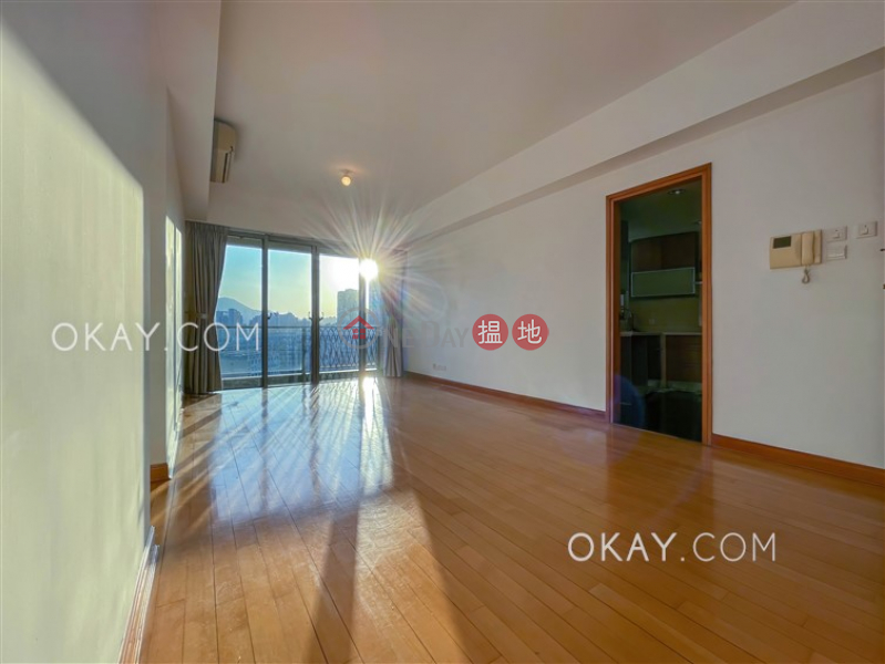 Charming 3 bedroom with harbour views & balcony | Rental | Parc Palais Tower 8 君頤峰8座 Rental Listings