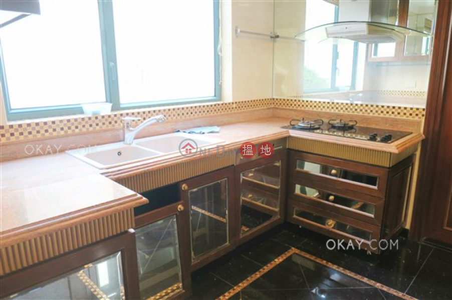 Rare house with sea views, rooftop & balcony | Rental | Phase 1 Regalia Bay 富豪海灣1期 Rental Listings